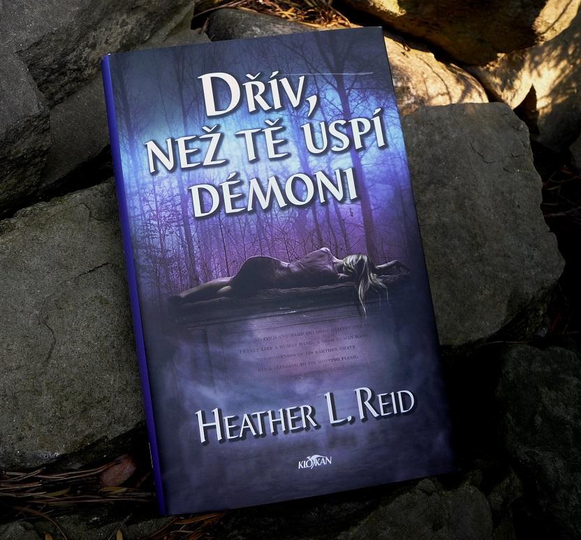 Kniha Dřív, než tě uspí démoni v našem nakladatelství Alpress